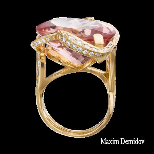"""Кольцо """"Афродита"""" Золото 750 желтое Морганит"""