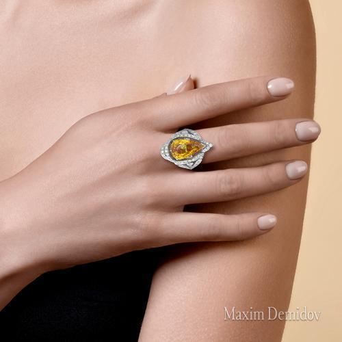 """Кольцо """"Эссенция света"""" Золото 750 белое Сапфир"""