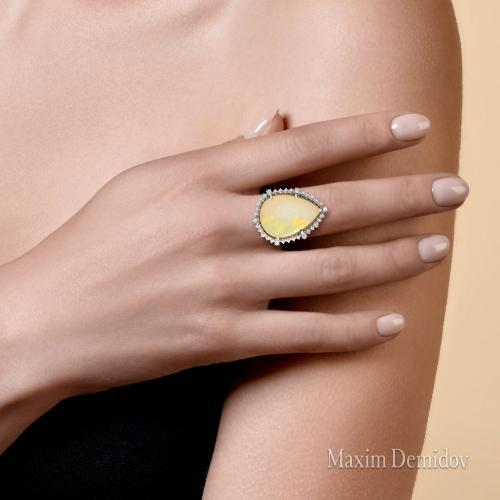 """Кольцо """"Нежное прикосновение"""" Золото 585 белое Опал"""